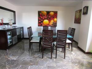 Apartamento En Venta En Caracas - La Florida Código FLEX: 16-12076 No.7