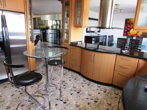 Apartamento En Venta En Caracas - La Florida Código FLEX: 16-12076 No.9