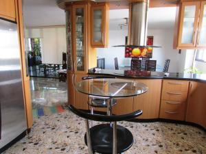 Apartamento En Venta En Caracas - La Florida Código FLEX: 16-12076 No.11