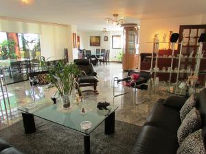 Apartamento En Venta En Caracas - La Florida Código FLEX: 16-12076 No.5