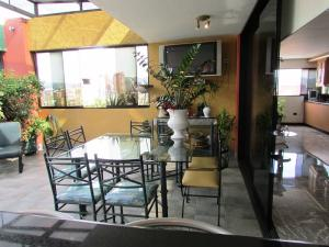 Apartamento En Venta En Caracas - La Florida Código FLEX: 16-12076 No.16