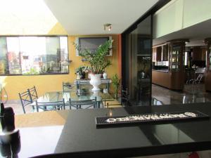 Apartamento En Venta En Caracas - La Florida Código FLEX: 16-12076 No.17