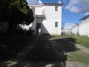 Casa En Venta En Cua, Las Brisas, Venezuela, VE RAH: 16-12082