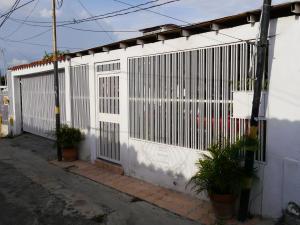 Casa En Venta En Barquisimeto, Parroquia Catedral, Venezuela, VE RAH: 16-12083