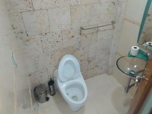 Casa En Venta En Caracas - Los Palos Grandes Código FLEX: 16-12087 No.14