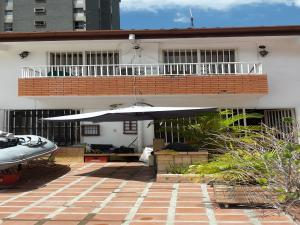 Casa En Venta En Caracas, El Marques, Venezuela, VE RAH: 16-12103