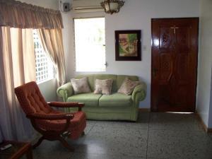 Casa En Venta En Maracaibo, La Floresta, Venezuela, VE RAH: 16-12105
