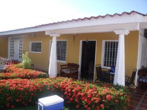 Casa En Venta En Ciudad Bolivar, Agua Salada, Venezuela, VE RAH: 16-12124