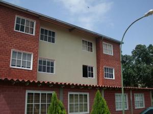Apartamento En Venta En Guatire, Guatire, Venezuela, VE RAH: 16-12306