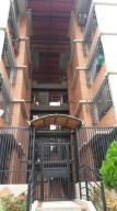 Apartamento En Venta En Guarenas, Nueva Casarapa, Venezuela, VE RAH: 16-12127