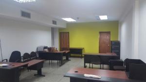 Local Comercial En Venta En Ciudad Ojeda, Barrio Libertad, Venezuela, VE RAH: 16-12548
