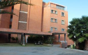 Apartamento En Venta En Caracas, Oripoto, Venezuela, VE RAH: 16-12161