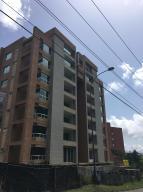 Apartamento En Venta En Caracas, Solar Del Hatillo, Venezuela, VE RAH: 15-8617