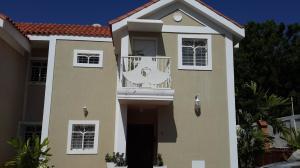 Townhouse En Venta En Maracaibo, Lago Mar Beach, Venezuela, VE RAH: 16-12176
