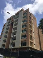 Apartamento En Venta En Caracas, Solar Del Hatillo, Venezuela, VE RAH: 15-8589
