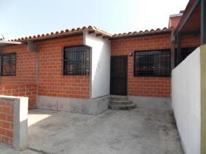 Townhouse En Venta En Guatire, El Ingenio, Venezuela, VE RAH: 16-12192
