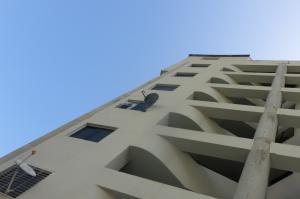 Apartamento En Venta En Parroquia Caraballeda, Tanaguarena, Venezuela, VE RAH: 16-12208