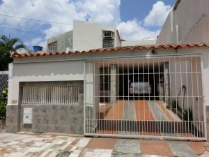 Casa En Venta En Municipio San Diego, La Esmeralda, Venezuela, VE RAH: 16-12212