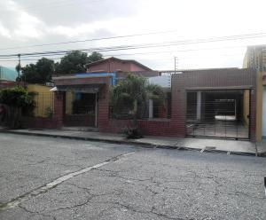 Casa En Venta En Maracay, La Floresta, Venezuela, VE RAH: 16-12253