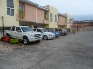 Townhouse En Venta En Municipio Naguanagua, Manantial, Venezuela, VE RAH: 16-12264