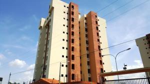 Apartamento En Venta En Municipio Los Guayos, Las Delicias, Venezuela, VE RAH: 16-12269