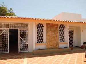 Casa En Venta En Maracaibo, Cantaclaro, Venezuela, VE RAH: 16-12305