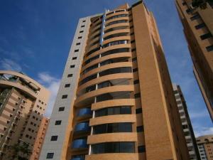 Apartamento En Venta En Valencia, La Trigaleña, Venezuela, VE RAH: 16-12323