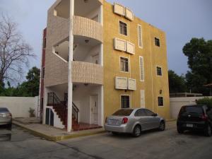 Apartamento En Venta En Cabimas, Zulia, Venezuela, VE RAH: 16-12312
