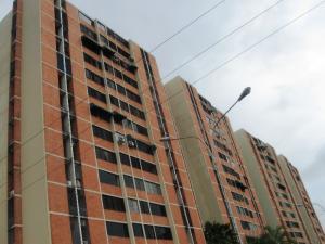 Apartamento En Venta En Maracay, Bosque Alto, Venezuela, VE RAH: 16-12313
