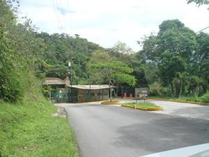 Terreno En Ventaen Caracas, Karimao Country, Venezuela, VE RAH: 16-12319