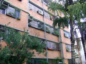 Apartamento En Venta En Guarenas, Nueva Casarapa, Venezuela, VE RAH: 16-12344