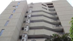 Apartamento En Venta En Catia La Mar, Playa Grande, Venezuela, VE RAH: 16-12396