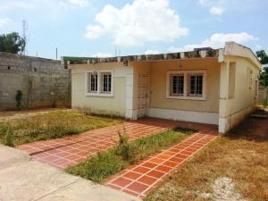 Casa En Venta En Cabimas, Carretera H, Venezuela, VE RAH: 16-12410