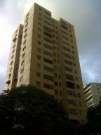 Apartamento En Venta En Caracas, El Valle, Venezuela, VE RAH: 16-12414