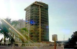 Apartamento En Venta En Maracaibo, 5 De Julio, Venezuela, VE RAH: 16-12418