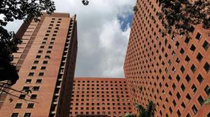 Apartamento En Alquiler En Caracas, Sabana Grande, Venezuela, VE RAH: 16-12421