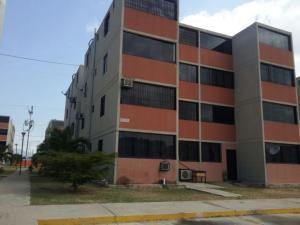 Apartamento En Venta En Municipio Los Guayos, Buenaventura, Venezuela, VE RAH: 16-12448