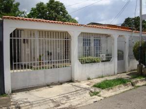 Casa En Venta En Palo Negro, Conjunto Residencial Palo Negro, Venezuela, VE RAH: 16-12451