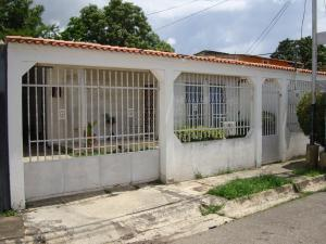 Casa En Ventaen Palo Negro, Conjunto Residencial Palo Negro, Venezuela, VE RAH: 16-12451