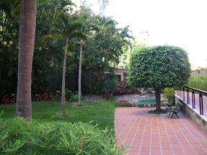 Apartamento En Venta En Caracas - Las Esmeraldas Código FLEX: 16-12453 No.2