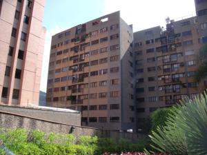 Apartamento En Venta En Caracas - Las Esmeraldas Código FLEX: 16-12453 No.3