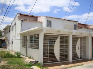 Casa En Venta En Cagua, Ciudad Jardin, Venezuela, VE RAH: 16-12455