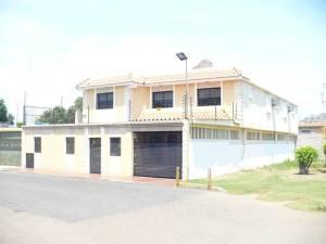 Casa En Venta En Maracaibo, La Trinidad, Venezuela, VE RAH: 16-12474