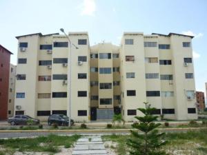 Apartamento En Venta En Municipio Los Guayos, Paraparal, Venezuela, VE RAH: 16-12584
