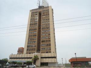 Apartamento En Venta En Maracaibo, Santa Maria, Venezuela, VE RAH: 16-1709