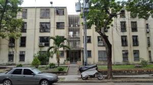 Apartamento En Venta En San Joaquin, La Pradera, Venezuela, VE RAH: 16-12494