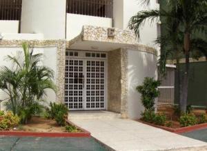 Apartamento En Venta En Maracaibo, Pomona, Venezuela, VE RAH: 16-12495