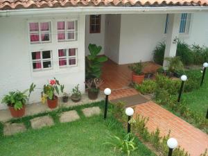 Casa En Venta En El Junquito-Vargas, El Junko Country Club, Venezuela, VE RAH: 16-12510