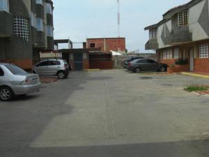 Apartamento En Venta En Ciudad Ojeda, La 'l', Venezuela, VE RAH: 16-12522