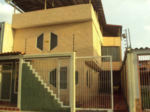 Casa En Venta En Maracay, Villas De Aragua, Venezuela, VE RAH: 16-12524